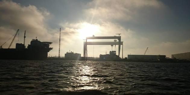 Super Guindaste Visto do Canal do Porto de Rio Grande