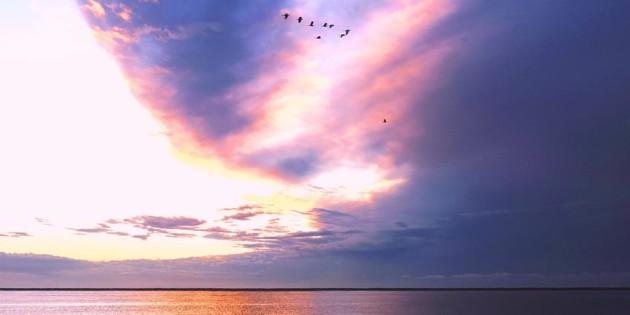 Nuvens - um show de cores no mar