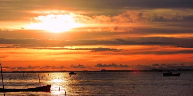 Belo nascer do sol na cidade do rio grande