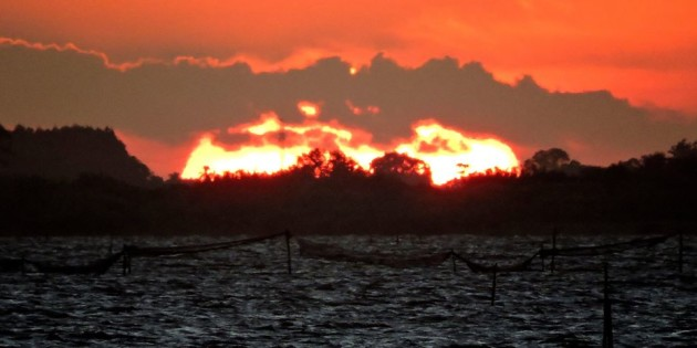Pôr do sol, sobre a ilha dos marinheiros