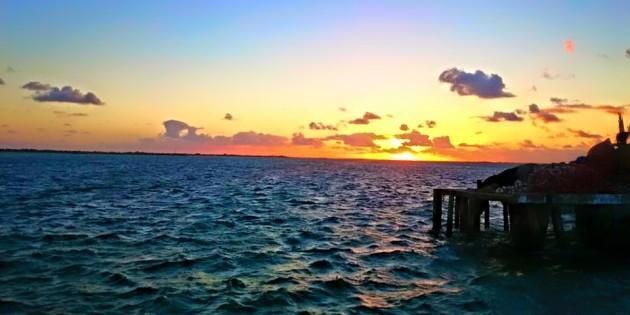 bela vista do canal de acesso ao porto
