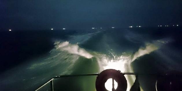 Noite no canal do Porto de Rio Grande