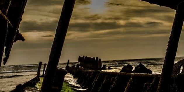 Navio Altair na Praia Fotografado por Eduardo