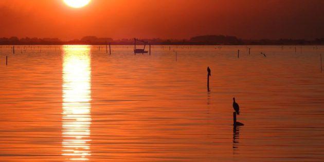 Pôr do sol na Laguna dos Patos em Rio Grande