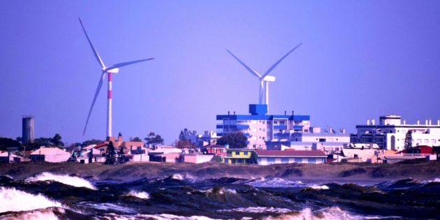 Torres Eólicas em Praia do Cassino