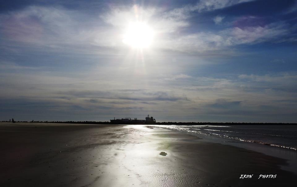 Mais Navio Chegando Visto da Praia do Cassino