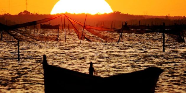 Nascer do Sol Barcos Lagoa