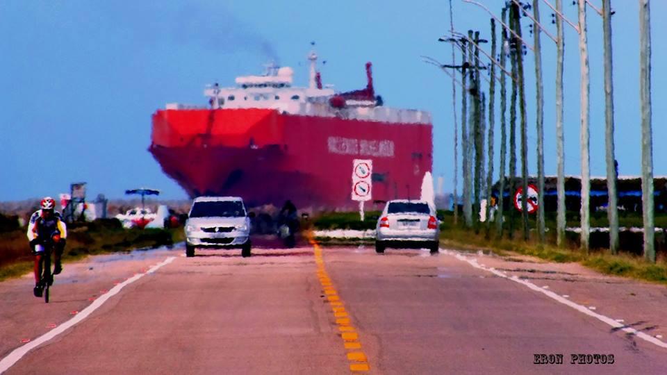 Navio Chegando Imagem surreal mas Real