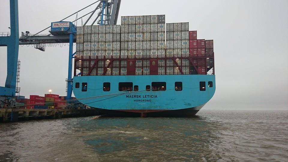 Navio Container Descarregando Porto
